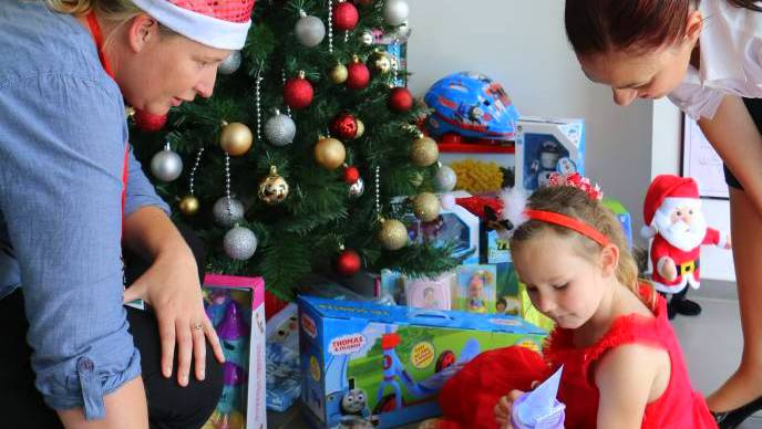 The Giving Tree Is A Chance For The Community To Help The Port Stephens Family And Neighbourhood Service Help Those Struggling This Christmas.